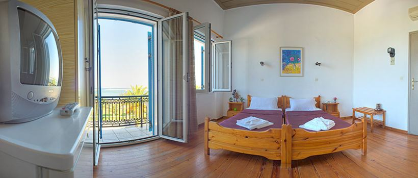 Accommodation at Rethymno, Crete - Rent Rooms The Sea-Front